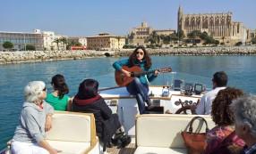 Mariona Forteza canta a bord del Nostromo I