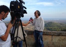 Carlos Garrido atiende a los medios